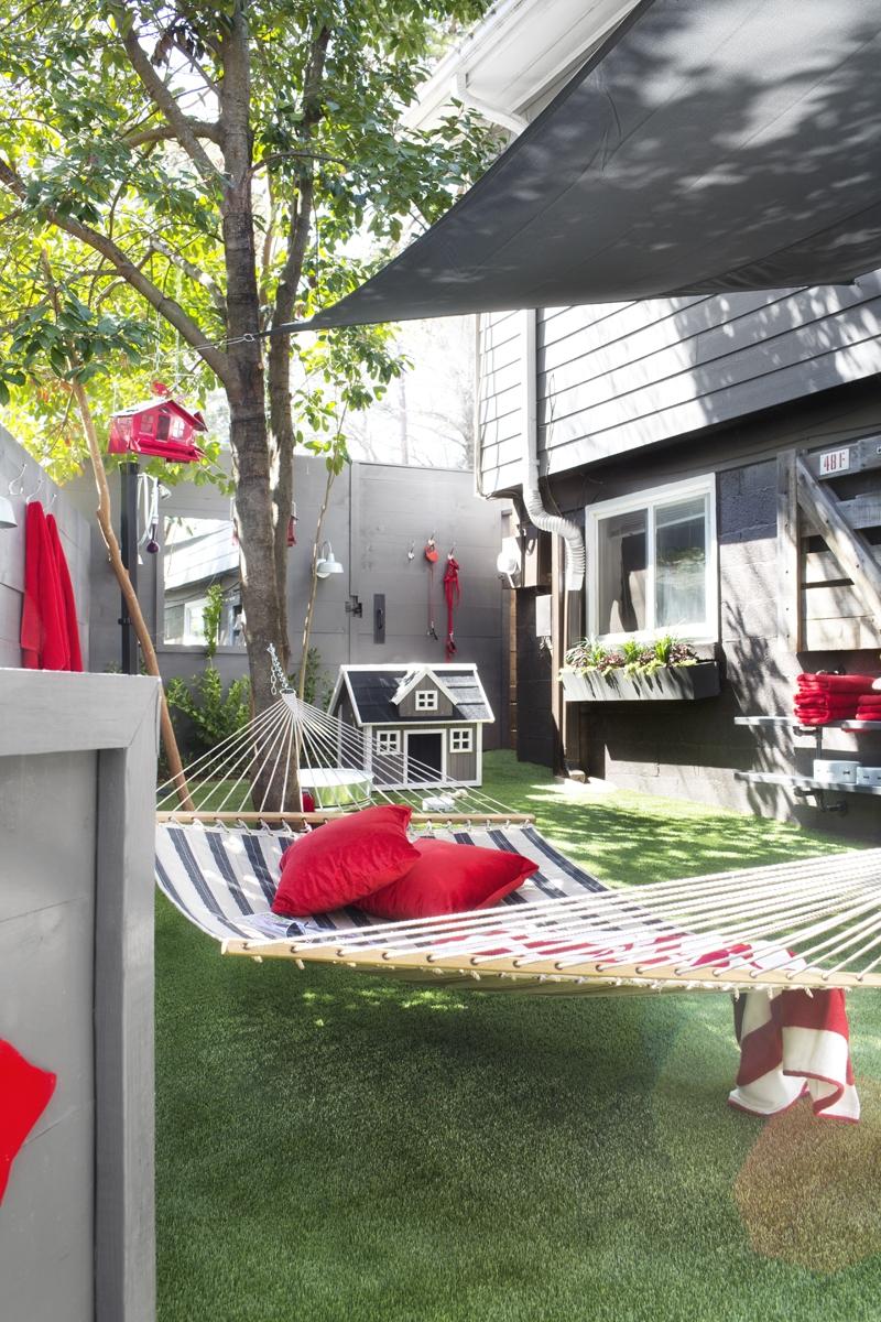 Twin-Oaks-Black-&-Tan-Quilted-Sunbrella-Fabric-Hammock