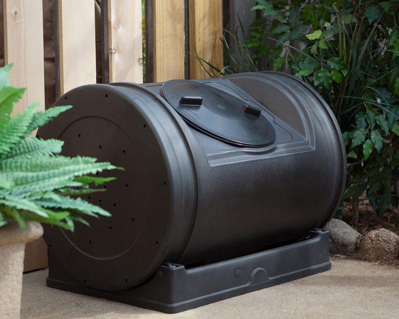 black compost tumbler