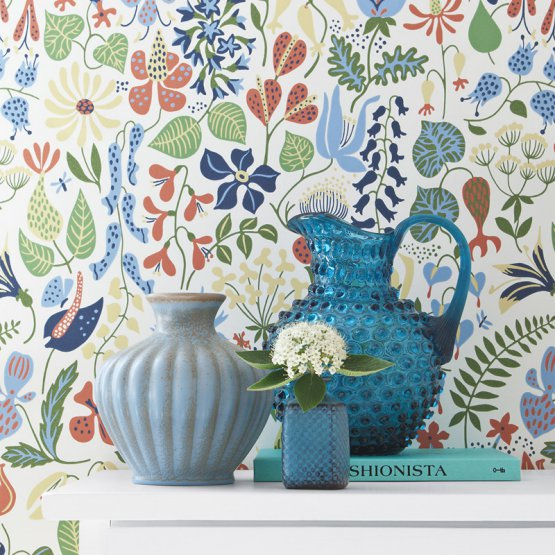 floral wallpaper vases